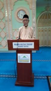 Tuan Hj. Mohd Alwi Bin Taib (Pengerusi JK. Kariah sedang menyampaikan ucapan aluan.