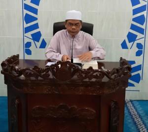 AF Ustaz Mazlan Al Hafiz sedang menyampaikan ceramah dalam program Jom Fahami Al Quran.